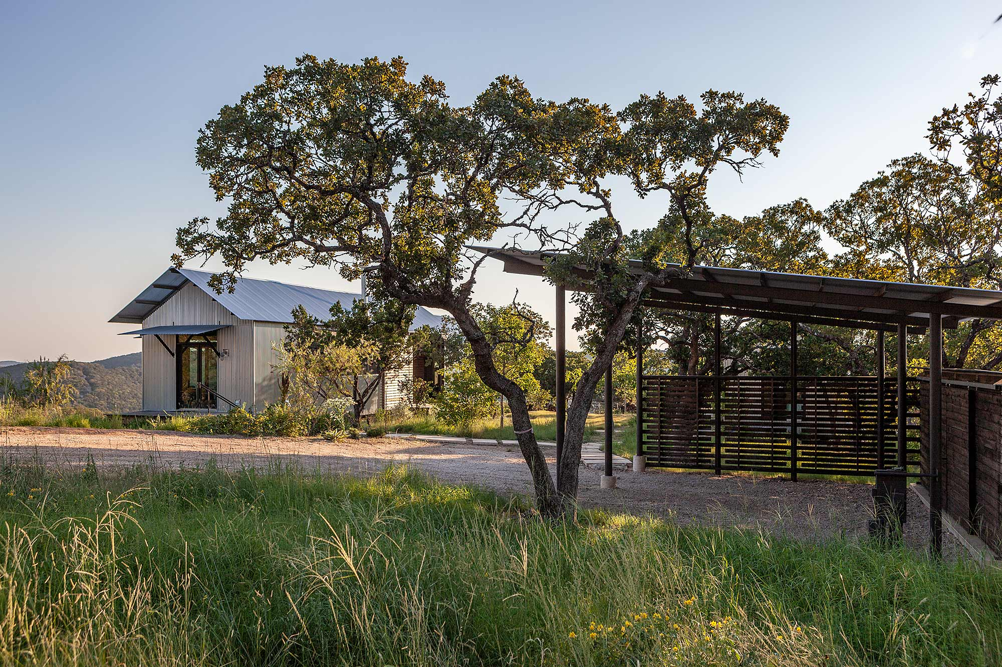 Miller Porch House / Lake | Flato Architects